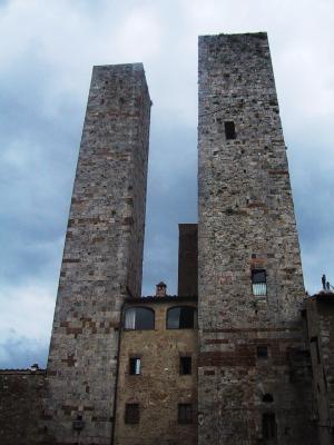 The Two Towers o Torri dei Salvucci.